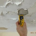 איתור רטיבות בתקרה בעזרת מכשור מתקדם